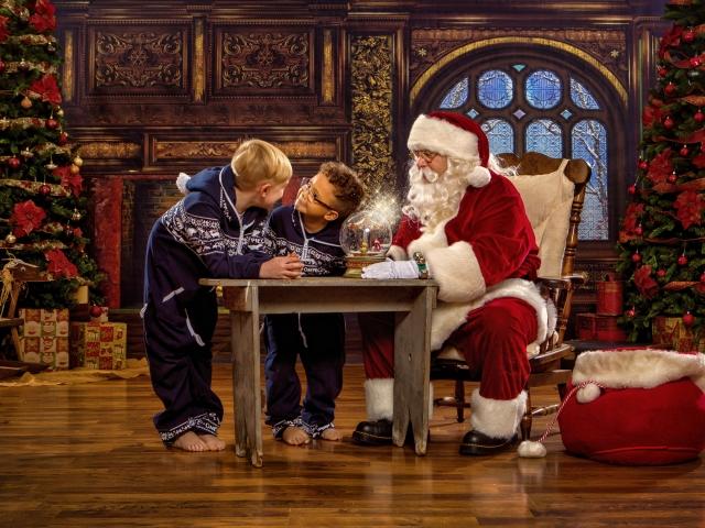 Interactive Santa Portrait Experience WV