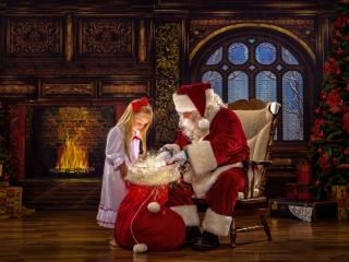 Christmas Portraits with Santa Claus WV