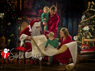 Family Pictures with Santa Claus WV
