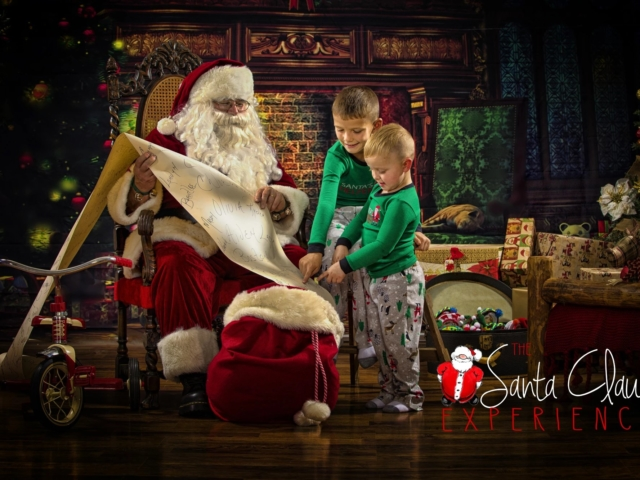 Santa Claus Photographer Wheeling WV