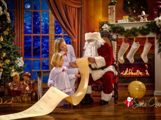 Unique Kids Christmas Pictures with Santa WV